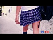 Смотреть онлайн порно видео учит сестру дрочить