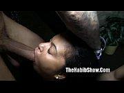 Порно раба лижет волосатую жопу госпожи