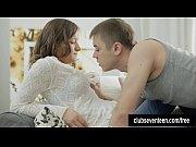 Порно видео сын спящую маму в попу