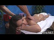 Госпожа заставляет раба лизать жопу видео