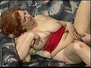 Порно засунула руку в жопу по плече