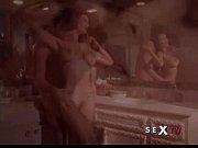 Секс с тонкой и плоской грудью у зрелых