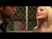 Hot wrestler gets in the cage with a guy to str...