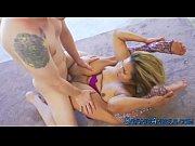 Видео госпожи в ресторане а раб у них под столом под ногами фото 388-595