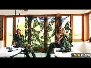 Фото видео девахи раздевалки
