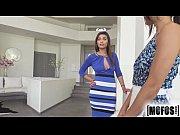Видео сестра с большой грудью совращает брата