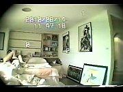 Пять мужчин на одну голую девушку в доме