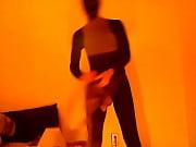 Порно видео дочь смотрит как мать ебут в рот