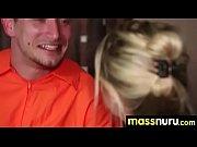 Сын трахается с молодой мачехой в чулках видео