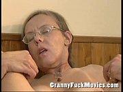Гламурная блонда мастурбирует