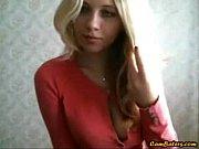 Красивые девушки в обтянутых шортах