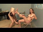 Секс порно две девушки и парень