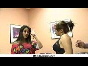 Видео обнаженные девушки у гинеколога