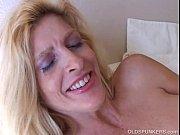 Masturbação com madura loira
