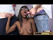 Молодая порнозвезда с огромной силиконовой грудью