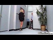 Секс с секретаршей в стрингах на высоких бедрах