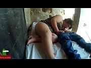 Молодая мать соблазняет сына порно
