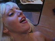 порно лижет груди