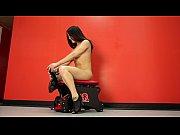 Осмотр женщинами мужских гениталий документальное видео смотреть о