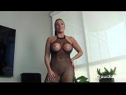 Порно онлайн две девушки заставляют