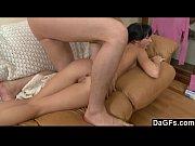 Волосенки пробиваются на юнной пизденке порно фото фото 18-708