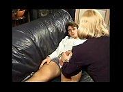 Mãe tarada acorda o filho com um boquete