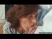 порно девушка на писила в рот мужчине