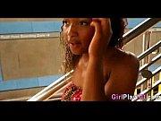 Дефекация женщин на лицо мужчин видео
