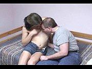 Смотреть онлайн видео ролик как парень лижет письку девушке