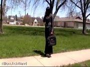 Зрелая женщина первый раз раздевается перед вэбкамерой