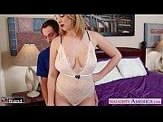 В первый раз теряет девственность видео