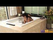 скачать видео как девушка мастурбирует за окном подглядывания