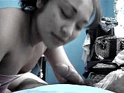 Порно видео жена помогает трахнуть подругу