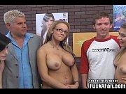 Девушка мастурбирует рукой и кончает смотреть онлайн