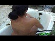 Мама была в ванной сын дрочил на трусики мамы
