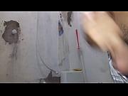 Порно видео показывает как вытекает сперма из влагалища