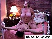 Порно мамочка соблознила собственого сына