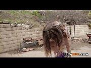 занимаются сексом в общественном месте видео