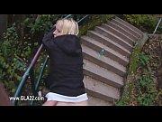 Видео самого большого члена суют в блондинку