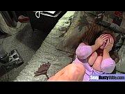 Парни кончают на красивых девушек видео