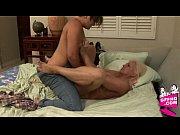 Порно видео девушки с шикарным телом сосут и глотают сперму