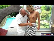 Порно женщина дрочит хуй ногами