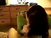 Порно видео с красивой пышногрудой молодой брюнеткой мачехой
