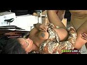 смотреть онлайн порно видео с грудастой длино носой дамы