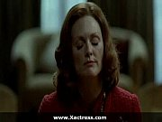 Picture Julianne Moore the dominating mother