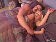 Порно видео с пышными брюнетками