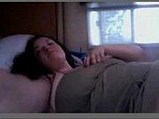 Фото бритой писечки сквозь зажатые ножки фото 287-772