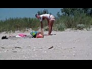 Скрытая мини камера засняла секс в душевой кабинке видео