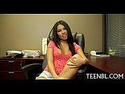 Порно видео девушек срёт во время секса