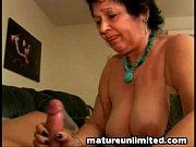 Зрелые обнажённые женщины в видео